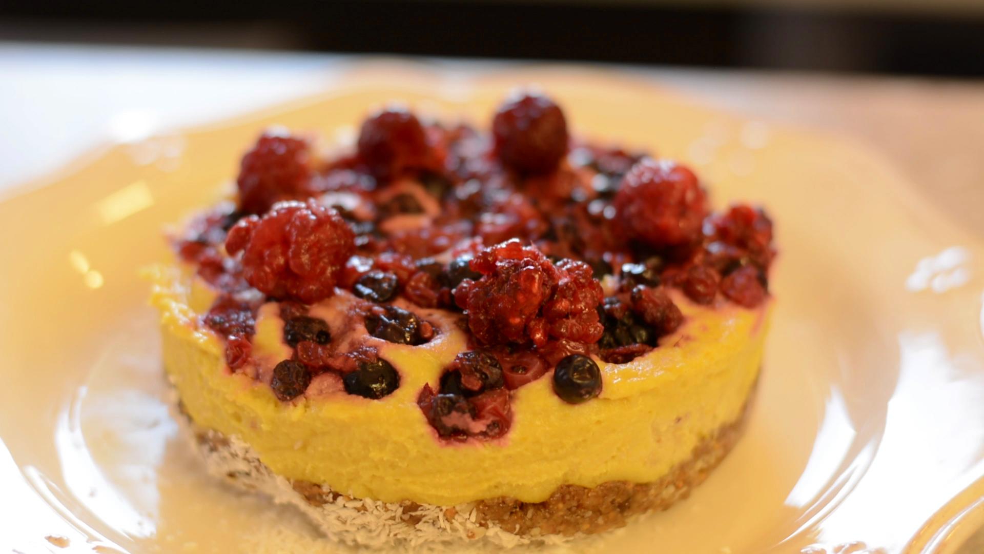 Pateu de naut, painici de casa fara gluten si tort de lamaie raw-vegan