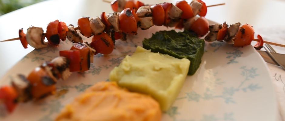Piure de morcov, spanac si cartof, cu frigarui de legume. Crema de migdale