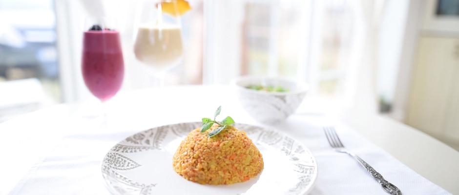 Pilaf turcesc (din bulgur). Salata de patrunjel cu couscous. Milkshake