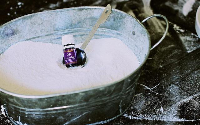 Detergent de rufe cu uleiuri esentiale
