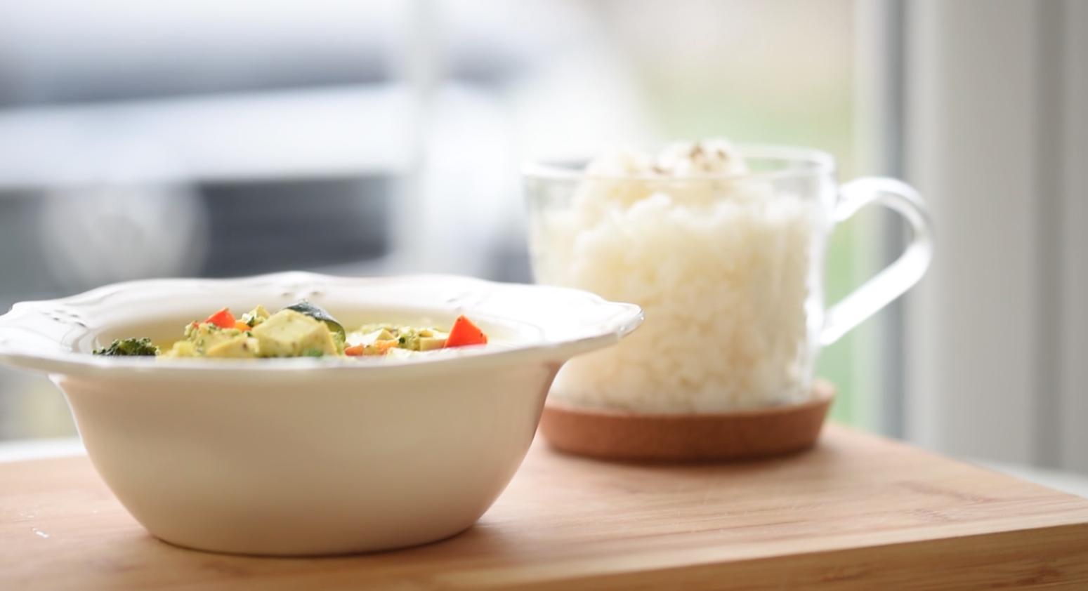 Curry de legume cu tofu si lapte de cocos